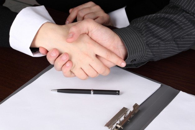 businessmen-pen-hand-shaking-cooperation 3264125